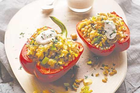Freekeh and Leek Stuffed Peppers with Onion Oil