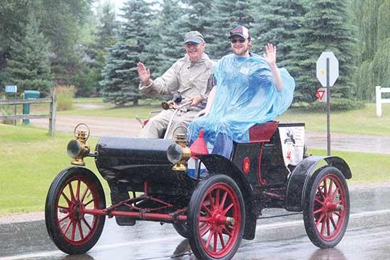 It was raining on Saturday, August 10 when the 33rd Annual New London to New Brighton Antique Car Run came through Buffalo, as they normally do each year.Beginning at 11:30 a.m., cars arrived in town from County Road 35 around Buffalo Lake, making...